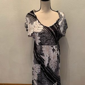 Sonoma women's dress in perfect condition